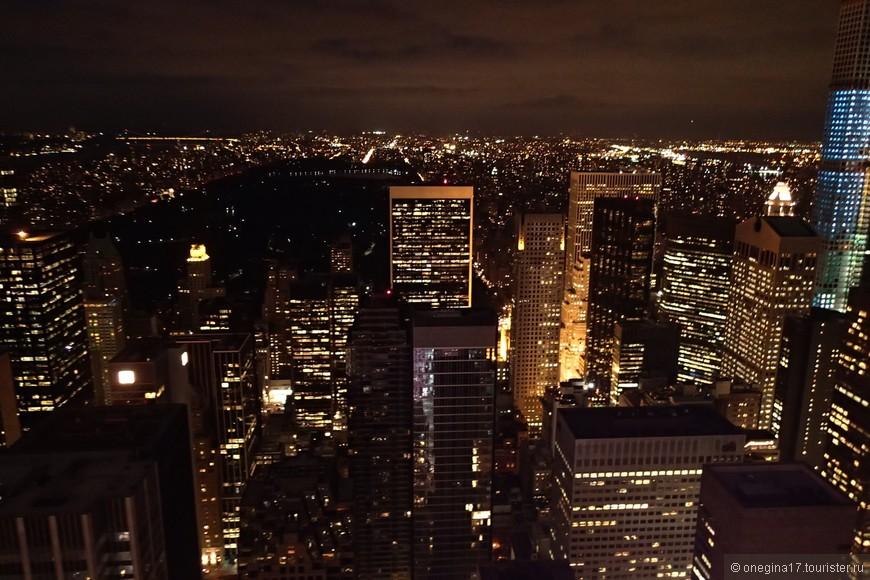 Центральный парк ночью - просто черный квадрат.