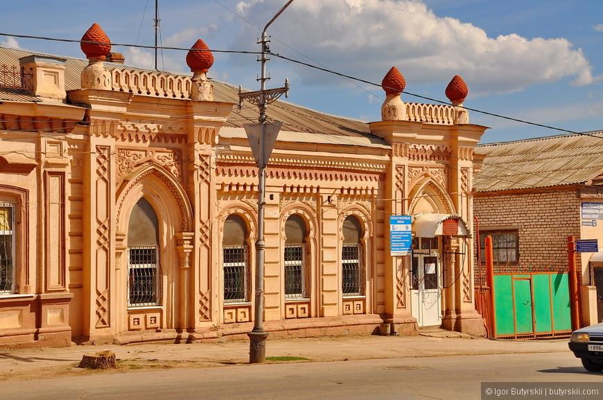 22. Не понятно, почему в Бугуруслан не привозят туристов посмотреть на нетронутую архитектуру 18 и 19 веков?