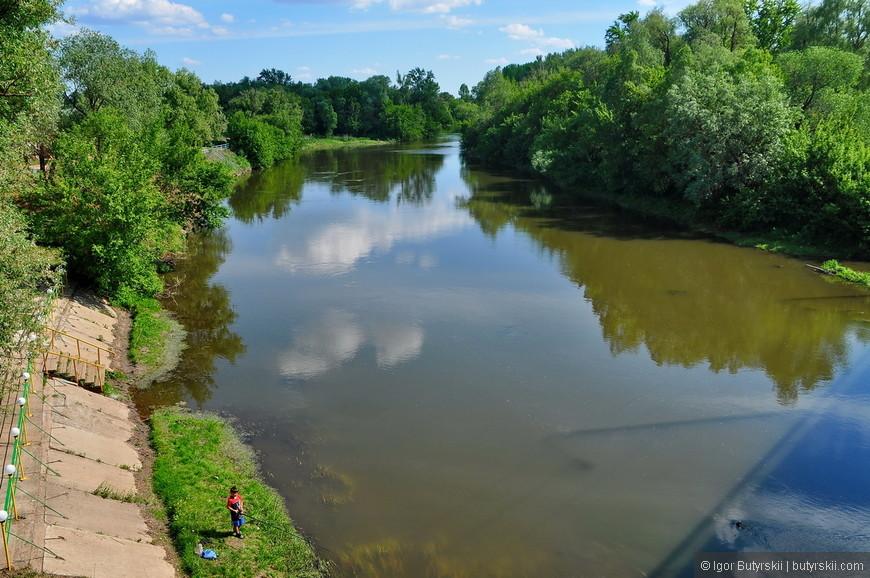 29. Набережной в Бугуруслане нет, река дикая.