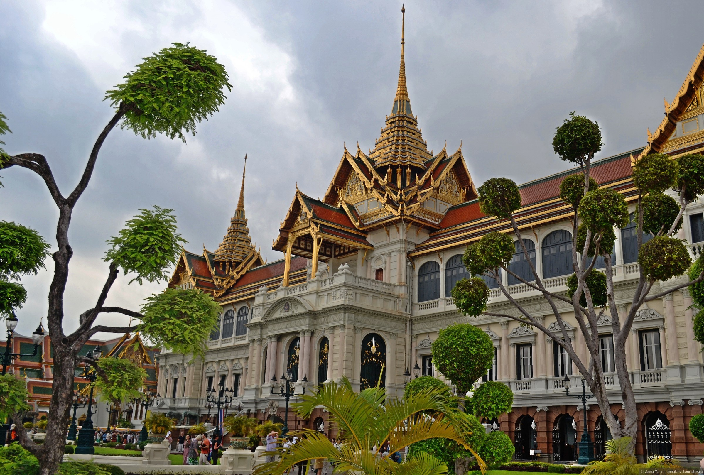фото королевского дворца в бангкоке скончался