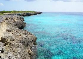 Океан и скалы