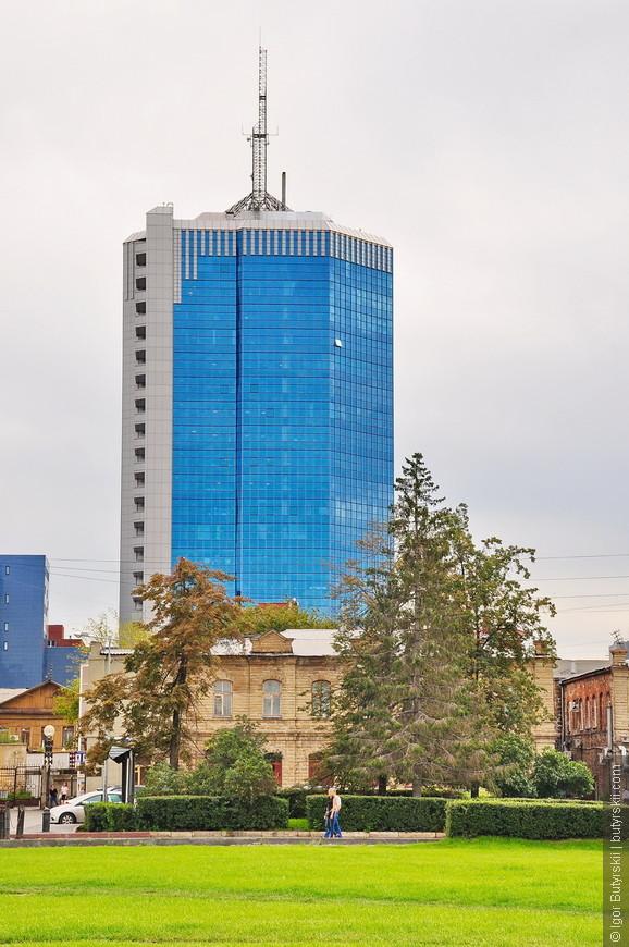 23. Челябинский небоскреб – Челябинск-Сити. Высота чуть более 100 метров, построен прямо на территории пешеходной купеческой улицы.