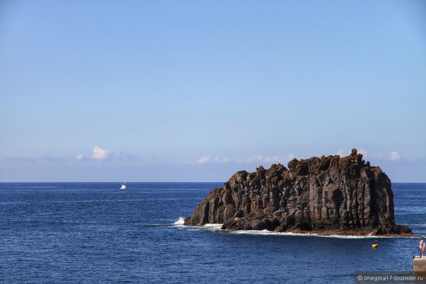 Мадейра - потухший вулкан. Из океана выглядывает всего лишь уснувшая вершина...