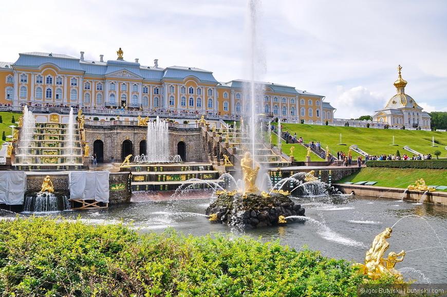 22. Вот как то так я запомнил главный дворец Петергофа.