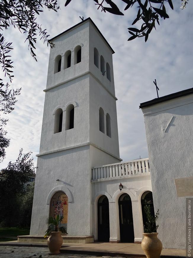 Церковь  Св.Николая находится в самом центре Ульциня, недалеко от набережной...
