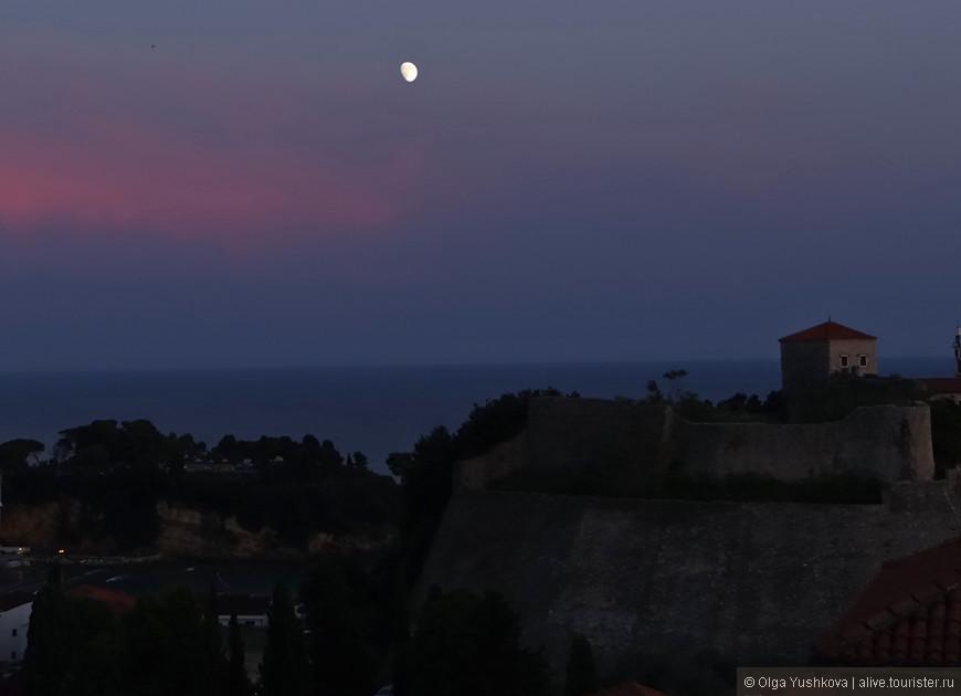 Луна над Ульцинем...
