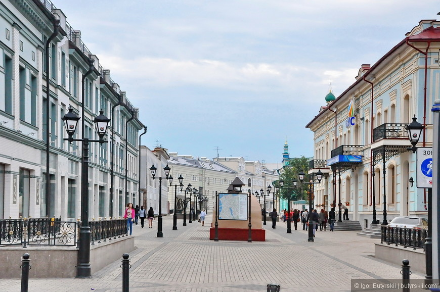 09. В 1930 году, улица была переименована в честь выходца из Казани революционера Баумана. Это название сохранилось до настоящего времени, хотя в постсоветское время предлагалось её переименовать в улицу Шаляпина.