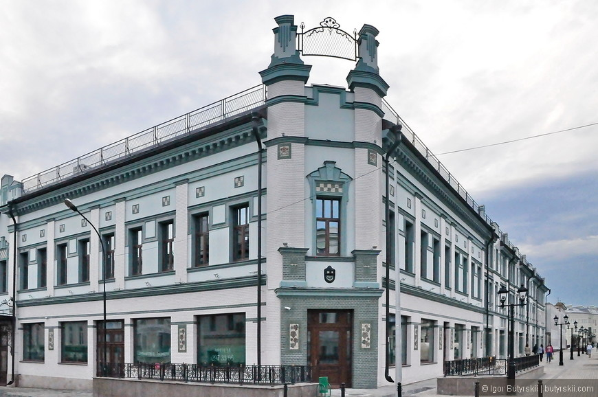 26. Недавно восстановленное здание, реставрация в Казани особенная иногда чинят, а иногда строят заново и не отличить потом.