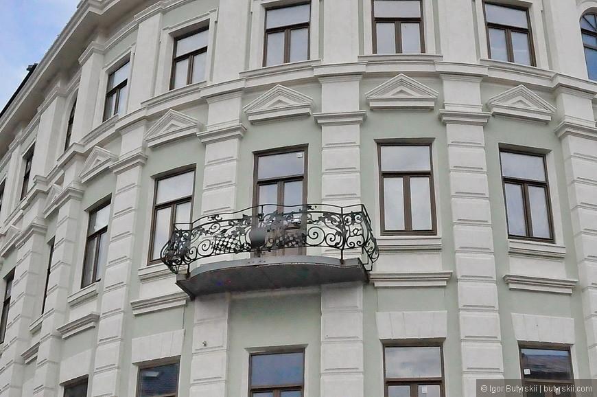 27. Прекрасный балкон и никаких кондиционеров.