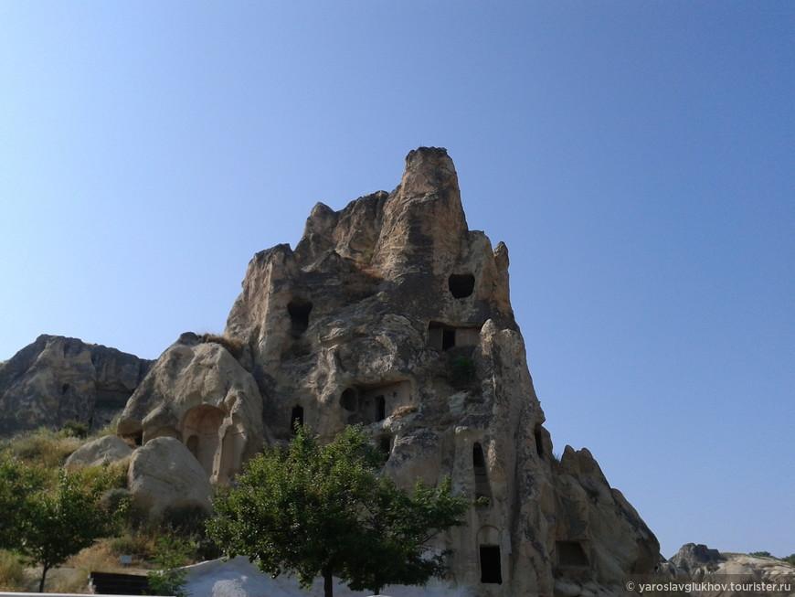 Пещеры в скалах. Национальный парк Гёреме.