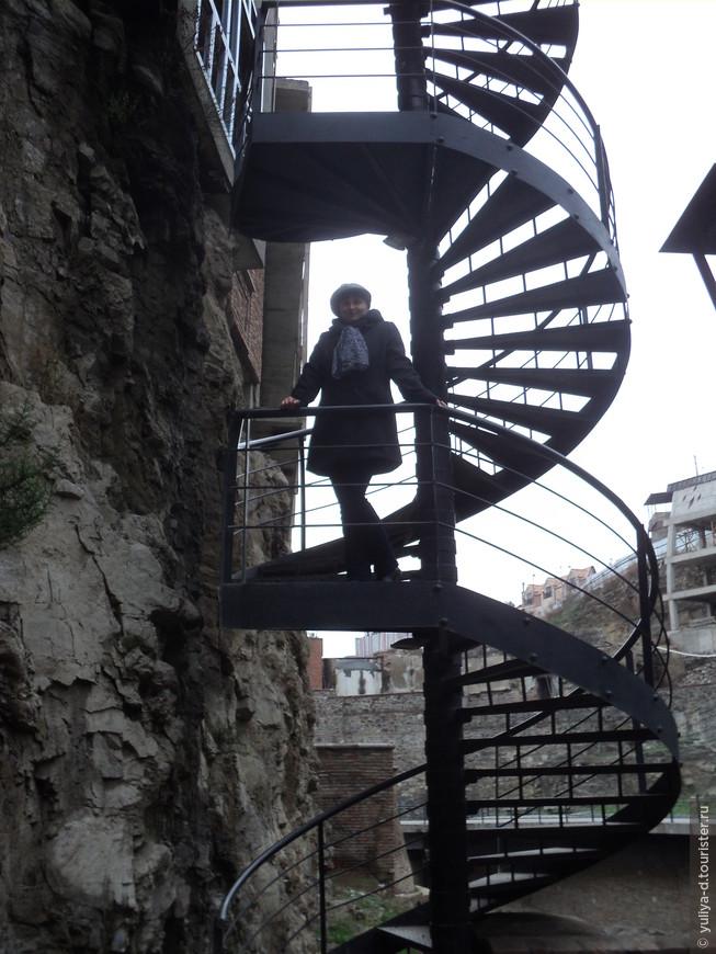 Вверх по лестнице. Улочками Старого Тбилиси
