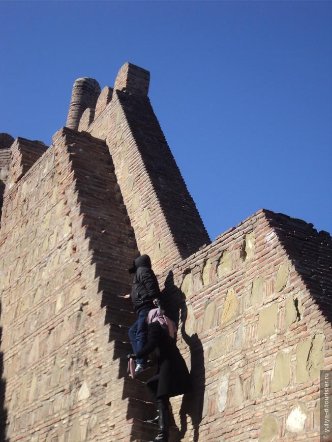 Подъем по стене Нарикала