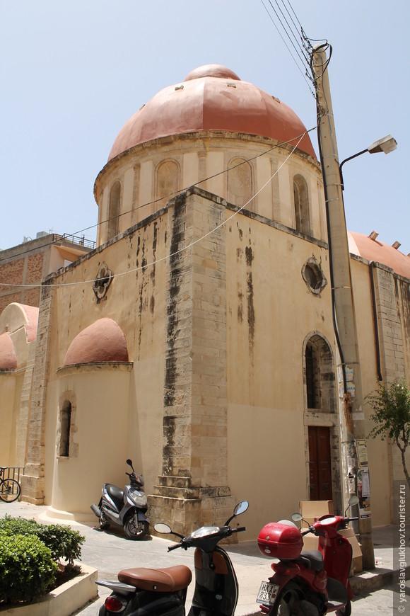 Церковь Святой Екатерины. Сейчас музей церковного искусства.