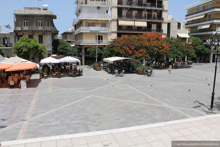Площадь Исполнения Мучеников, или по-гречески Платия-Эктелесеос-Мартирон.