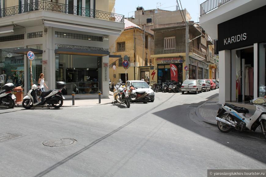 Дома на перекрёстке улиц Смимис, Манусогианни и Авероф.