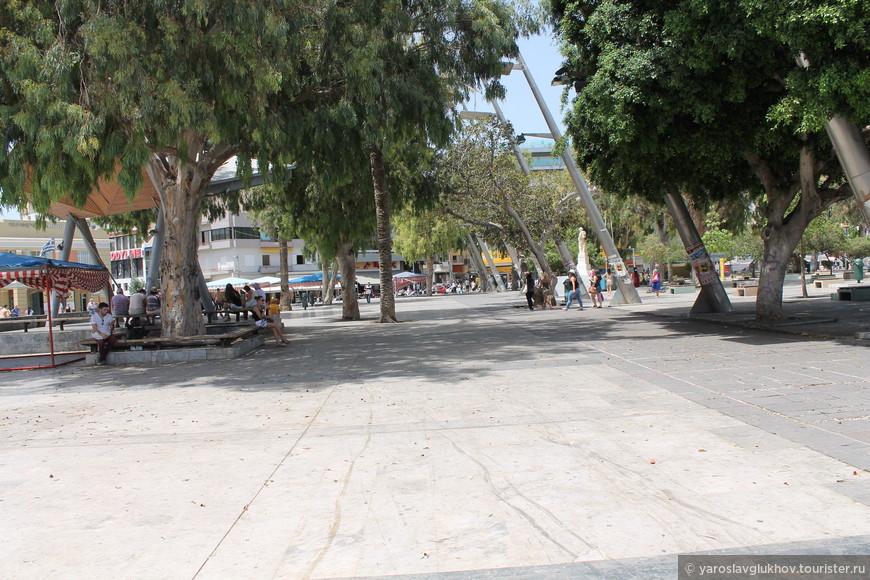 Площадь Элефтериас.