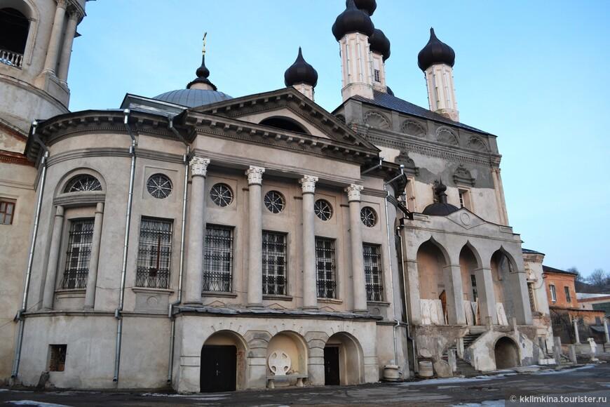 В 1996 году Казанский храм вернули Калужской епархии.
