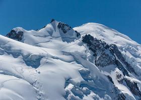 Взгляд на Монблан (Mont Blanc)