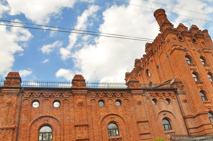 08. В городе встречаются интересные здания, но редко.