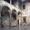 внутренне убранство приёмного двора фресками 17 века, вилла ла Петрайя, экскурсии по Флоренции и Тоскане с частным индивидуальным гидом на русском языке