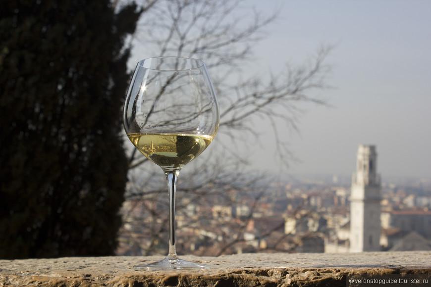 Белое вино Вероны, Соаве