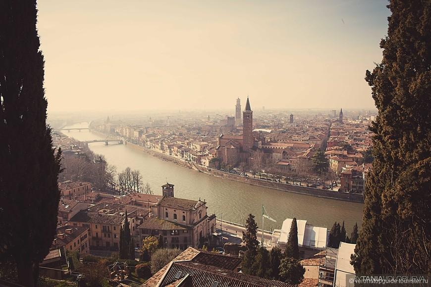 Панорама города со смотровой площадки, прийдеться немало потрудиться и подняться пешком.