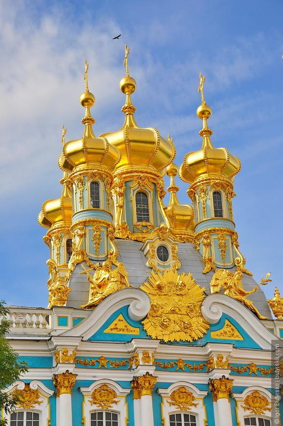 05. Весной 1746 года начались строительные работы по флигелю, а 8 [19] августа 1746 года в присутствии императрицы Елизаветы Петровны, великого князя Петра Фёдоровича и его супруги Екатерины Алексеевны состоялась торжественная закладка церкви.