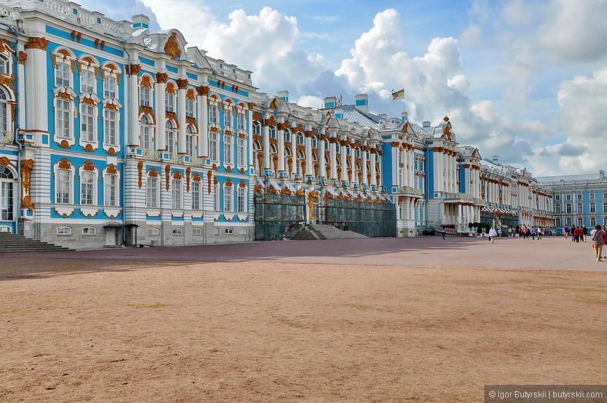 08. Задняя сторона дворца тоже на ремонте, собственно поэтому решил пока не идти на «компромисс» и подождать конца реконструкции.