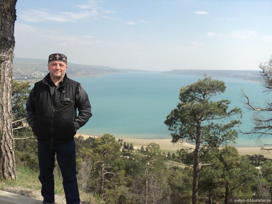 """Вид на Тбилисское море с Монумента """"История Грузии""""."""