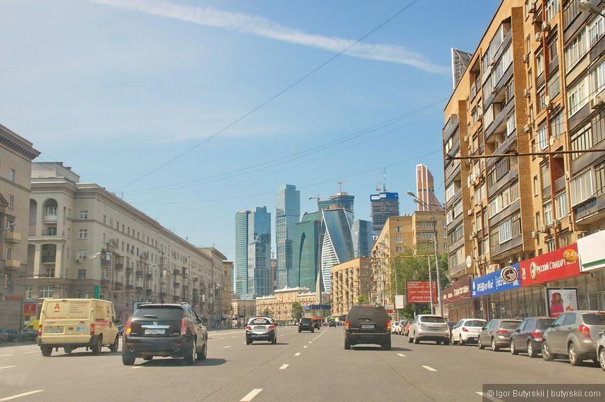 01. Комплекс зданий футуристичный, не свойственный классической архитектуре Москвы, но времена теперь другие – другая и Москва.