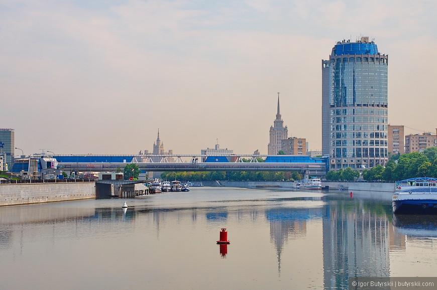 03. ММДЦ построили возле набережной реки Москва, на территории бывшей каменоломни. Первое здание комплекса – Башня 2000, высотой всего 104 метра.