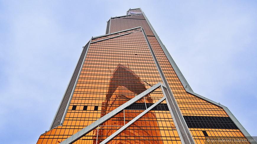 18. Здание побило рекорд высоты (339 метров) и завоевало множество мировых наград за дизайн. Внутри удивительного Сити Меркурий удивляет еще больше.