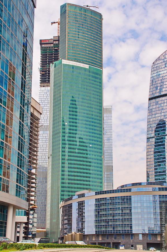 20. Башня «Евразия» строительство которой заканчивается в этом году тоже является сверхвысоким зданием – 309 метров. Находится со стороны ТТК.