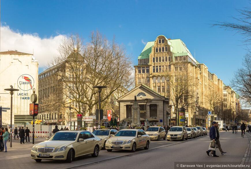 Целью грандиозного строительства была решимость бургомистра отстроить город в стиле, соответствующем статусу Гамбурга - современной торговой и промышленной метрополии.