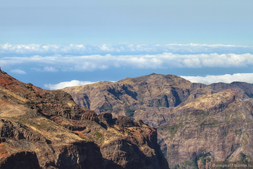 По горам можно ходить, есть много маршрутов, но все они будут достаточно сложными.