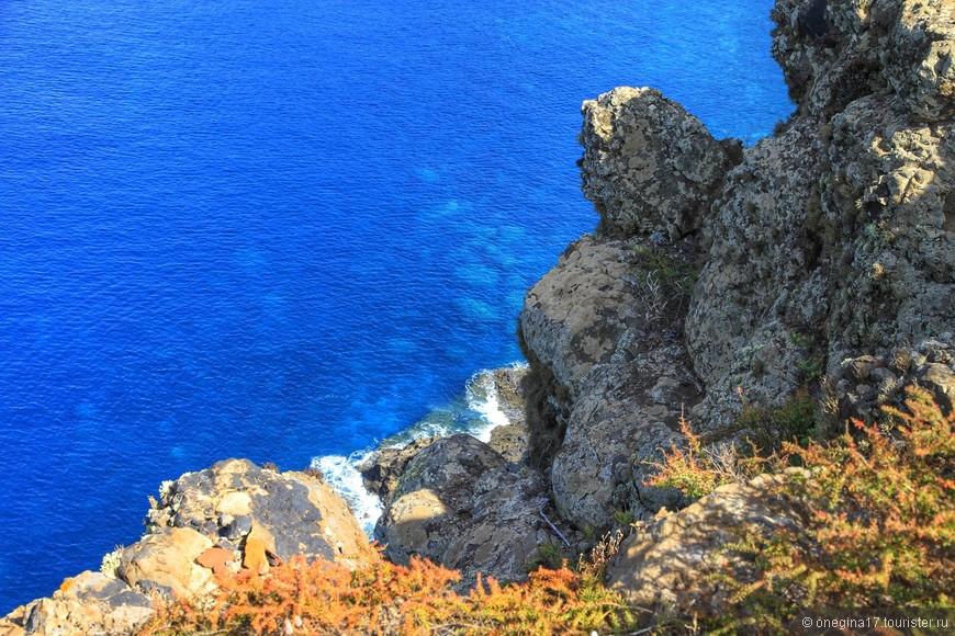 Но синь океана здесь самая насыщенная!