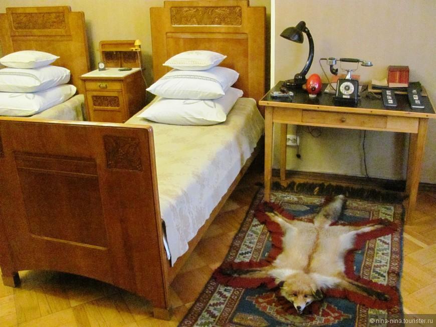 Музей-квартира С.М.Кирова. Спальня.