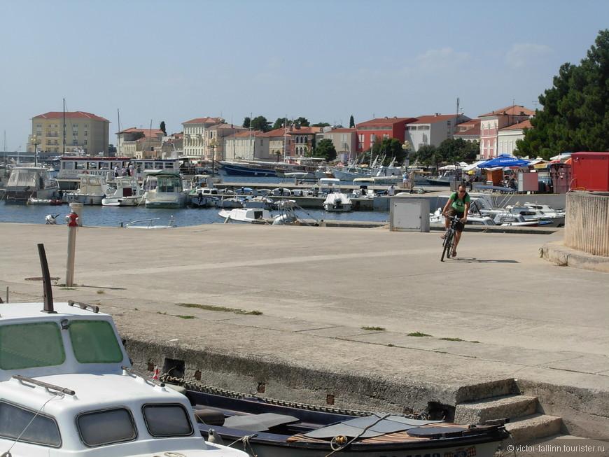 Марина (пристань для яхт) г. Пореч и набережная маршала Тито.