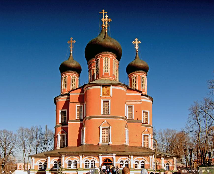 1684-1698 гг. –  Большой собор  построен на средства Екатерины Алексеевны, сестры Петра I