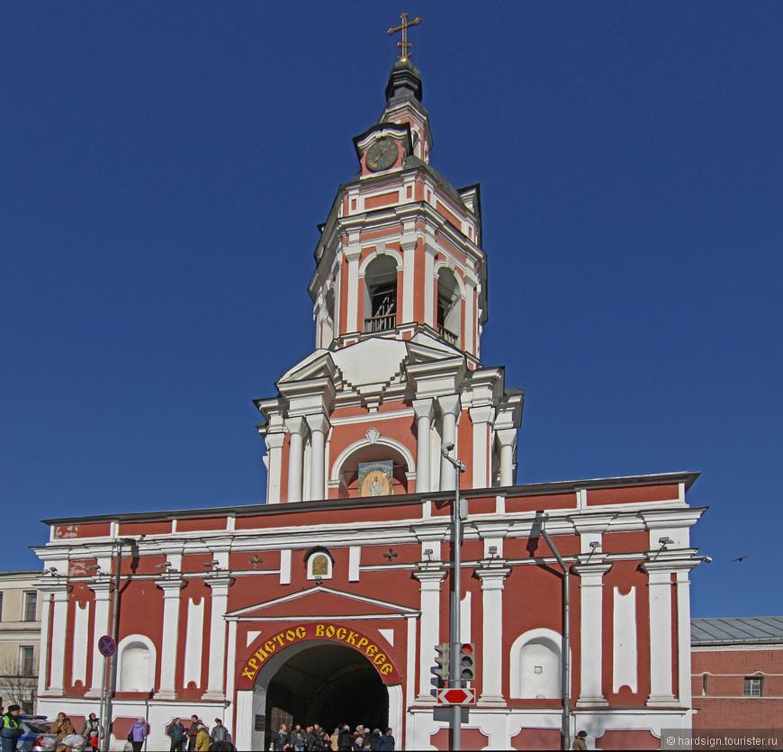 Колокольня Донского монастыря - середина XVIII века архитекторы Д. Трезини, Д.В. Ухтомский и А.П. Евлашев.