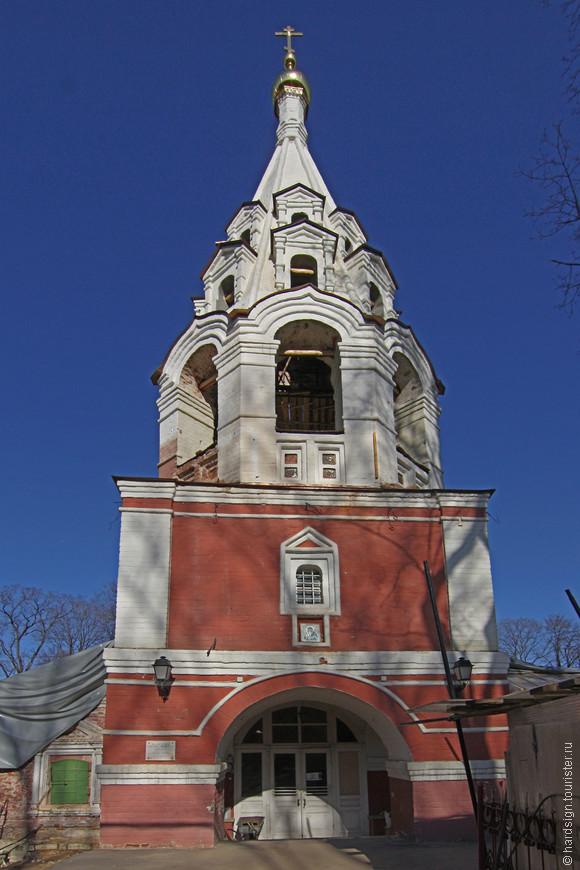 Грустно смотреть на эту реставрацию, вот уже 25 лет как собором владеет РПЦ, и что изменилось?