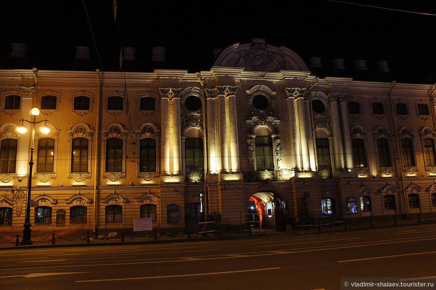 Строгановский дворец.