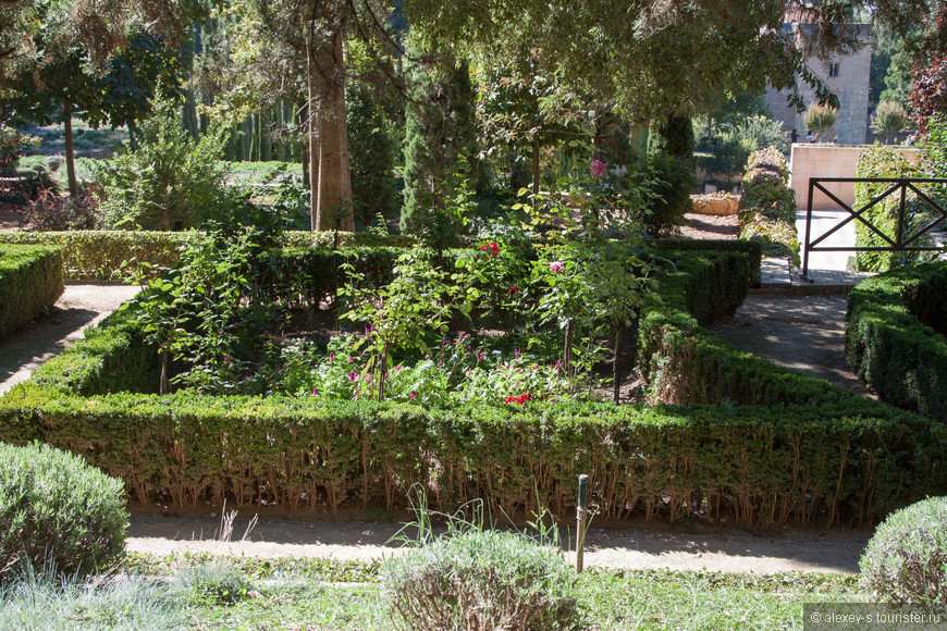 03-сады Хенералифе-1-IMG_9987-2.jpg