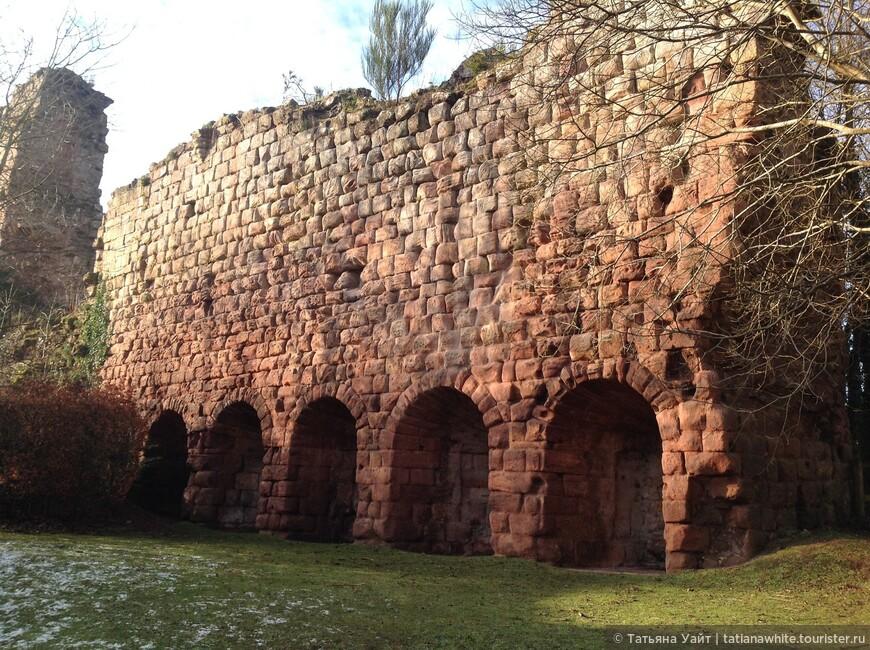 Замок Рослин (руины)