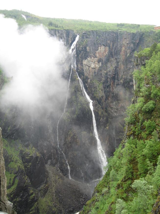Водопад Ворингфоссен. высота 182 м