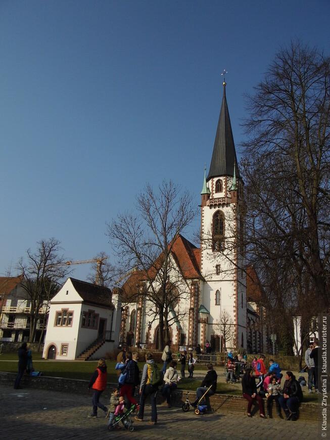 Первая городская церковь.