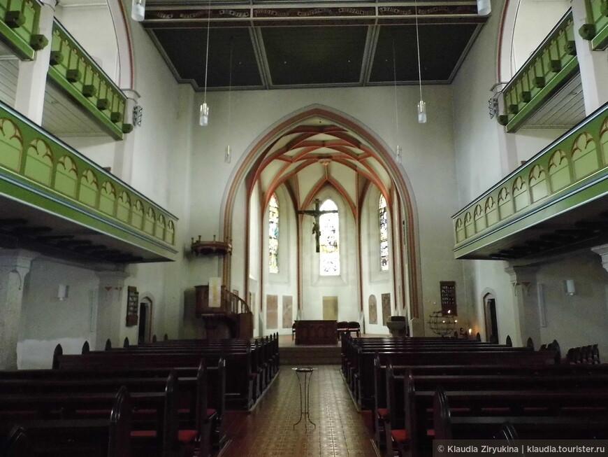 Церковь лютеранская, зального типа.