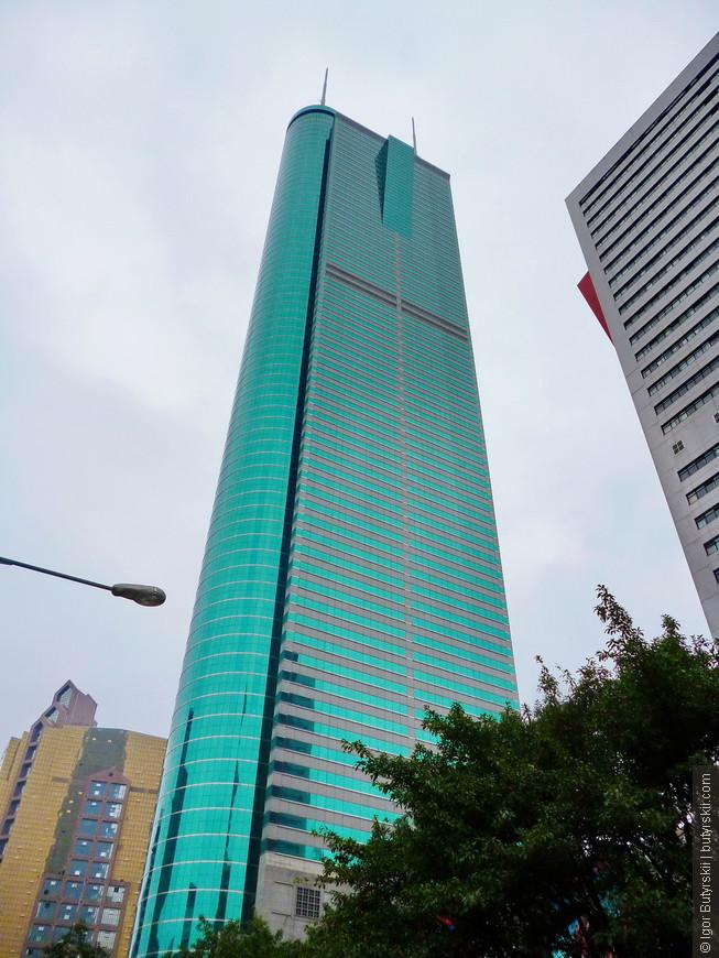 09. Конечно, как и во всех крупнейших городах Китая (кроме Пекина) в Шеньчжене огромное количество небоскребов, а в ближайшее время закончится строительство самого высокого здания в Китае и во всей ЮВА.