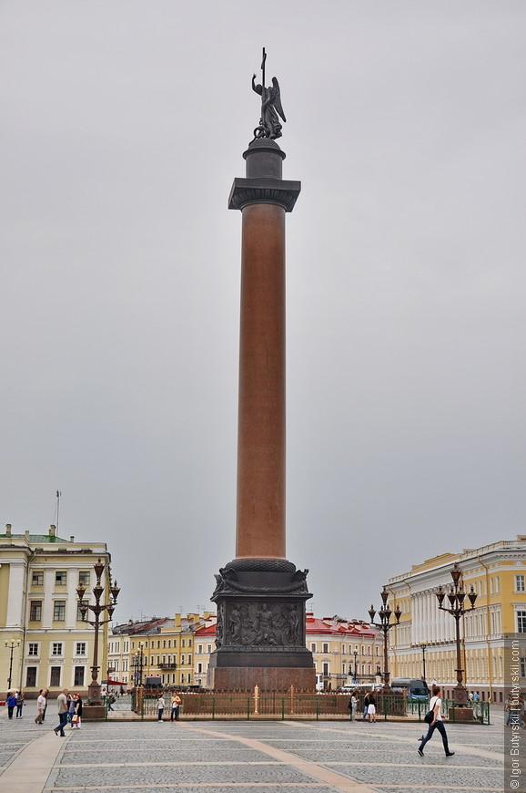13. Александровская колонна воздвигнута в 1834 году архитектором Огюстом Монферраном по указу императора Николая I в память о победе его старшего брата Александра I над Наполеоном.