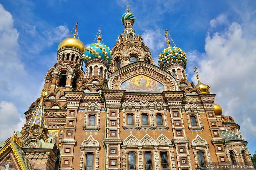 31. Проект храма выполнен в «русском стиле», несколько напоминает московский собор Василия Блаженного. Строительство длилось 24 года.
